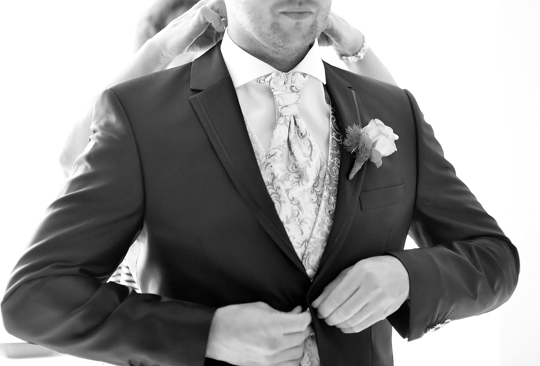 Hochzeitsfotograf_Koblenz_Nicole_Bouillon_Ankleiden1
