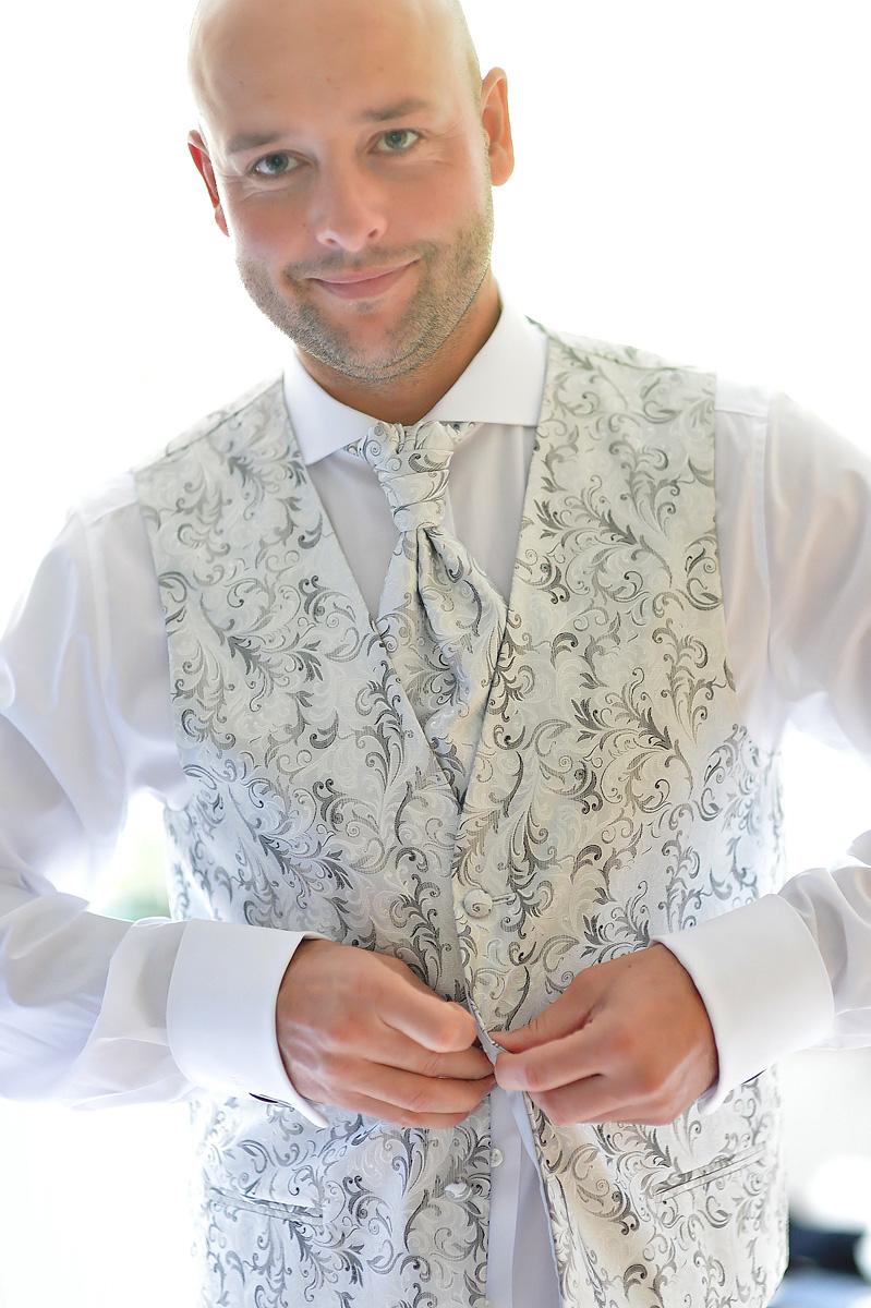 Hochzeitsfotograf_Koblenz_Nicole_Bouillon_Ankleiden4