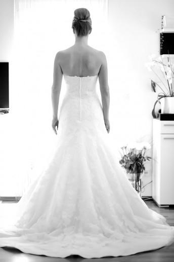 Hochzeitsfotografie Ankleiden Braut, Koblenz, Lahnstein, Neuwied, Bendorf, Kobern-Gondorf, Bonn, Köln, Frankfurt, Hochzeitsreportage, Nicole Bouillon Fotografie