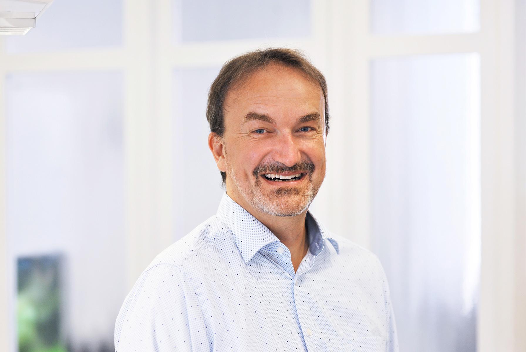 Dr. med. dent. Bernd Prestel, Kieferorthopäde in Koblenz